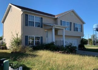 Short Sale in Wright City 63390 AUBURN DR - Property ID: 6325561808