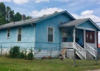 Short Sale in East Saint Louis 62205 N 41ST ST - Property ID: 6325565749