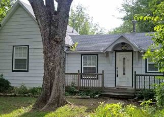 Short Sale in Winfield 67156 MICHIGAN ST - Property ID: 6325657271