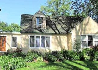 Short Sale in Palos Hills 60465 S 75TH CT - Property ID: 6325782989