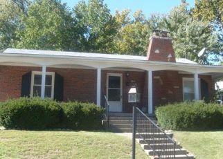 Short Sale in Saint Louis 63137 NEWBY ST - Property ID: 6326448250