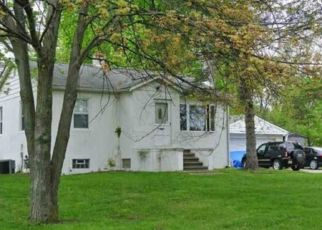 Short Sale in New Baltimore 48047 SUGARBUSH RD - Property ID: 6326571775