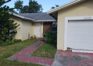 Short Sale in Miami 33157 SW 100TH AVE - Property ID: 6326605943