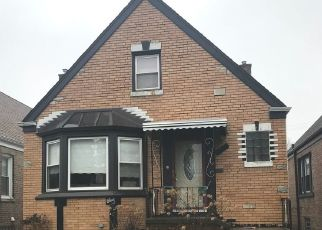 Short Sale in Elmwood Park 60707 N 76TH AVE - Property ID: 6326758787