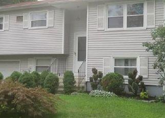 Short Sale in Norwalk 06851 THREE SEASONS LN - Property ID: 6327002742