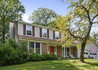 Short Sale in Great Falls 22066 LORAN RD - Property ID: 6327218658