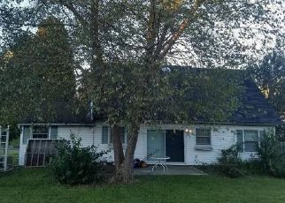 Short Sale in Bowie 20716 HEMING LN - Property ID: 6327233997