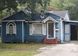 Short Sale in Jacksonville 32206 FAIRFIELD PL - Property ID: 6327475749