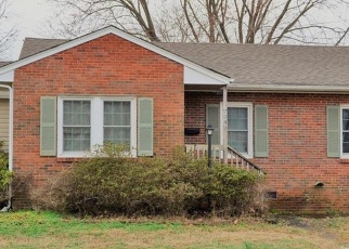 Short Sale in Newport News 23605 SEDGEFIELD DR - Property ID: 6328056495