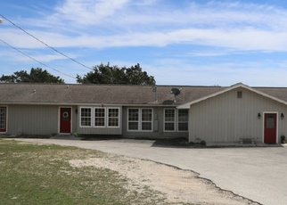 Short Sale in Kerrville 78028 CHARLES RD - Property ID: 6328121764