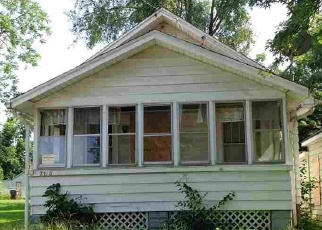 Short Sale in Peoria 61605 W GARDEN ST - Property ID: 6328280747
