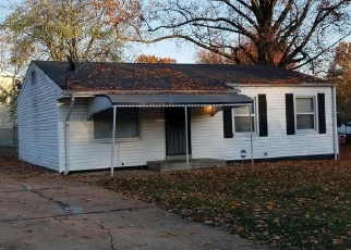 Short Sale in Saint Louis 63136 PRIOR DR - Property ID: 6328501929