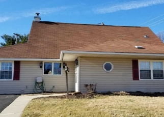 Short Sale in Levittown 19056 HIGHLAND PARK PL - Property ID: 6328596973