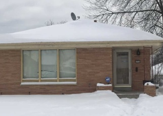 Short Sale in Milwaukee 53216 N 66TH ST - Property ID: 6328669666