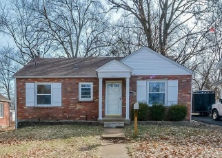 Short Sale in Saint Louis 63114 SIMS AVE - Property ID: 6328759442