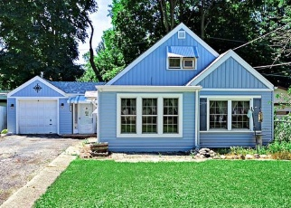 Short Sale in Mchenry 60050 KASHMIRI AVE - Property ID: 6328839601
