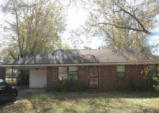 Short Sale in Memphis 38109 E SHELBY DR - Property ID: 6328929379