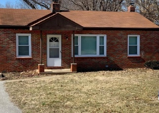 Short Sale in Maryland Heights 63043 DALEY AVE - Property ID: 6329057716