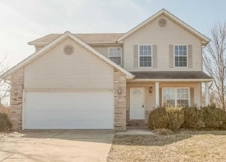 Short Sale in O Fallon 62269 MACLEAN DR - Property ID: 6329067339