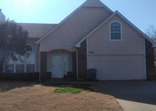 Short Sale in Broken Arrow 74014 E 37TH CT S - Property ID: 6329371744