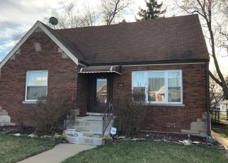Short Sale in Evergreen Park 60805 S MAPLEWOOD AVE - Property ID: 6329660355