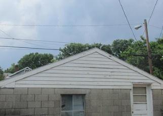 Short Sale in Louisville 40212 S 43RD ST - Property ID: 6329664296