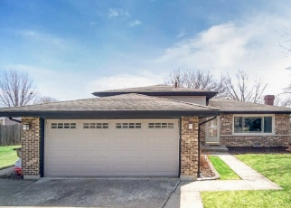 Short Sale in Tinley Park 60477 65TH CT - Property ID: 6329673496