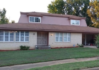 Short Sale in Memphis 38109 ELMER AVE - Property ID: 6329782553