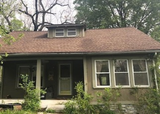 Short Sale in Kansas City 64117 NE RUSSELL RD - Property ID: 6329999800