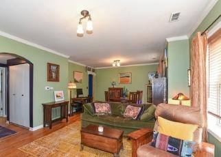 Short Sale in La Grange 60525 6TH AVE - Property ID: 6330110597