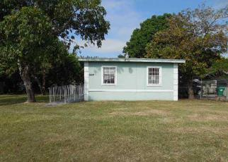 Short Sale in Homestead 33032 SW 137TH AVE - Property ID: 6330318639
