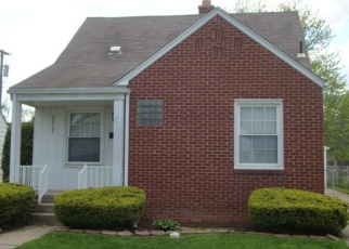 Short Sale in Eastpointe 48021 NORMANDY AVE - Property ID: 6330390907