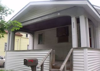 Short Sale in Bay City 48708 S SHERIDAN ST - Property ID: 6330635733