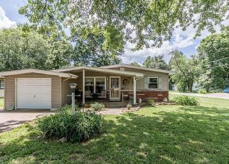 Short Sale in Marion 62959 S HADFIELD ST - Property ID: 6330642742
