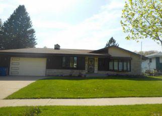 Short Sale in Oak Creek 53154 S HIGHFIELD CT - Property ID: 6330792971