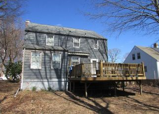 Short Sale in Hamden 06517 DAVIS ST - Property ID: 6330834121