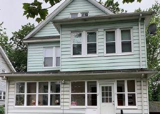 Short Sale in Hartford 06112 SHARON ST - Property ID: 6330835445