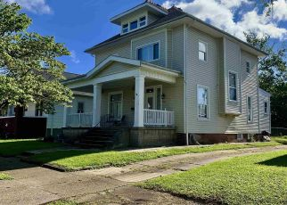 Short Sale in Evansville 47712 CUMBERLAND AVE - Property ID: 6330844642
