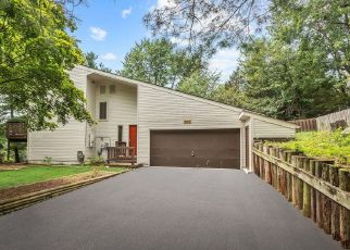 Short Sale in New Market 21774 SADDLE RD - Property ID: 6330886693