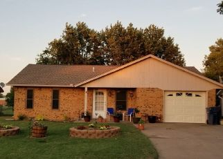 Short Sale in Lahoma 73754 DUSTIN DR - Property ID: 6330909459