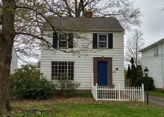Short Sale in Cleveland 44124 SUNVIEW RD - Property ID: 6330911656
