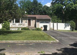 Short Sale in Bay Shore 11706 CHAPMAN PL - Property ID: 6330916468