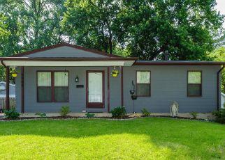 Short Sale in Hazelwood 63042 VILLE ROSA LN - Property ID: 6330925224