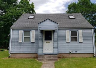 Short Sale in Plainville 06062 MACARTHUR RD - Property ID: 6331025530