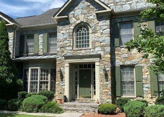 Short Sale in Great Falls 22066 SINEGAR PL - Property ID: 6331076322
