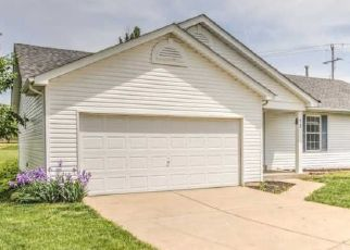 Short Sale in Wentzville 63385 PICKET FENCE CT - Property ID: 6331163937