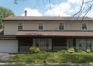 Short Sale in Matteson 60443 NOTRE DAME DR - Property ID: 6331180117