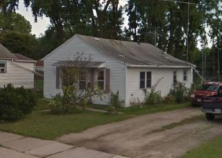Short Sale in Green Bay 54302 EASTMAN AVE - Property ID: 6331252394