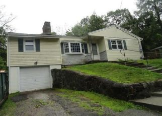 Short Sale in Newtown 06470 BEAR HILLS RD - Property ID: 6331432401