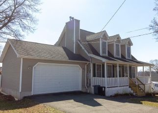 Short Sale in Meriden 06451 HILLCREST AVE - Property ID: 6331433270